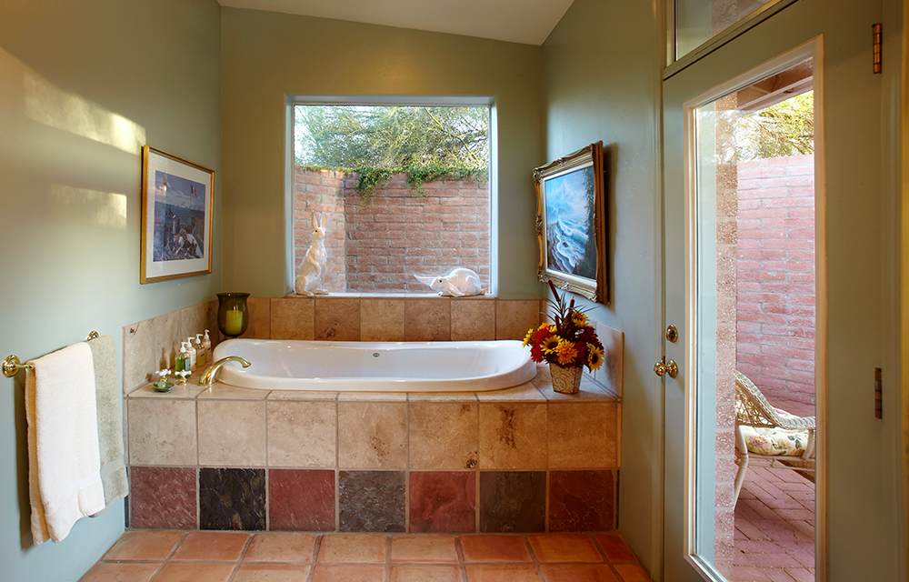saguaro jetted tub.jpg