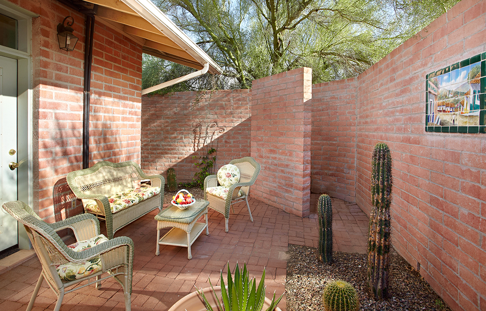saguaro private patio.jpg